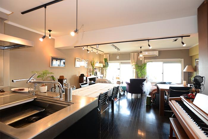 キッチン、ダイニング、リビング、寝室、書斎、すべてが一部屋に。