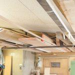 【工房】木材の在庫は天井に沿ってストック
