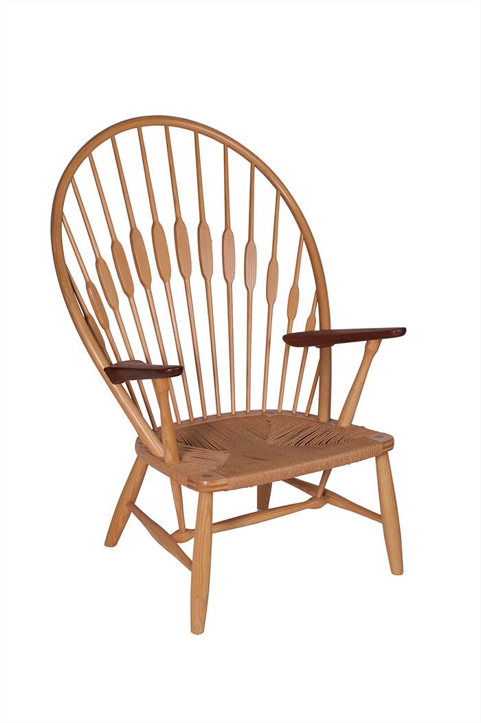 ハンス・ウェグナー/椅子 JH550〈ピーコックチェア〉/1947年/ヨハネス・ハンスン/Photo:Michael Whiteway
