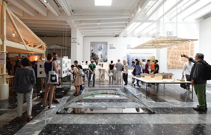 「en[ 縁 ]:アート・オブ・ネクサス」第 15 回ヴェネチア・ビエンナーレ国際建築展 日本館展示風景