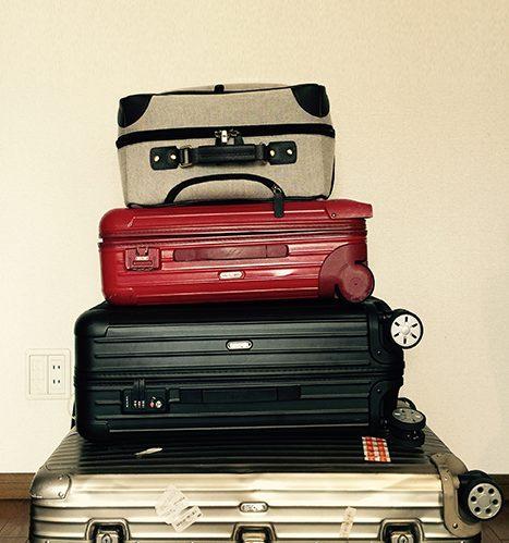 """旅の荷物はコンパクトに""""収納""""。YAKKOの旅スタイル"""