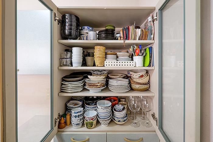 取り出しやすく、使い忘れない食器収納を考える