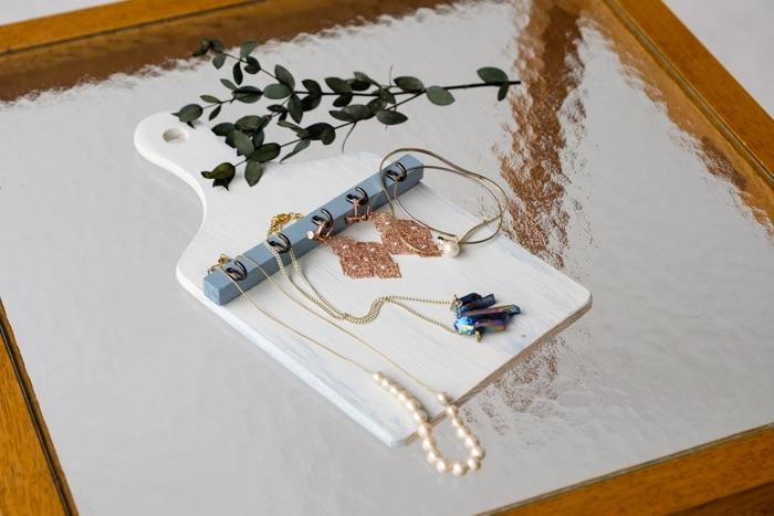 100円ショップの『木製カッティングボード』で かわいいデコ雑貨づくり