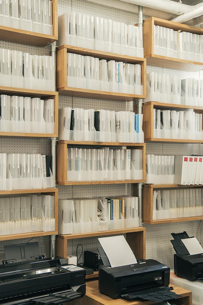 プロジェクトごとのファイルを収納する棚