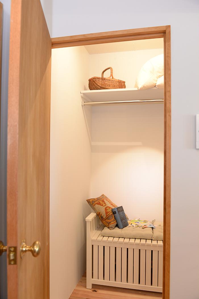 ウォークインクローゼットは、お籠もり空間としての活用も。