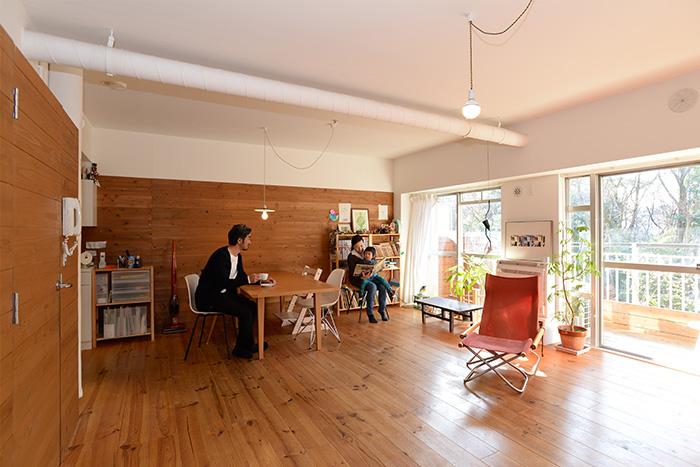 居住空間にしっくりとなじむ収納スペース