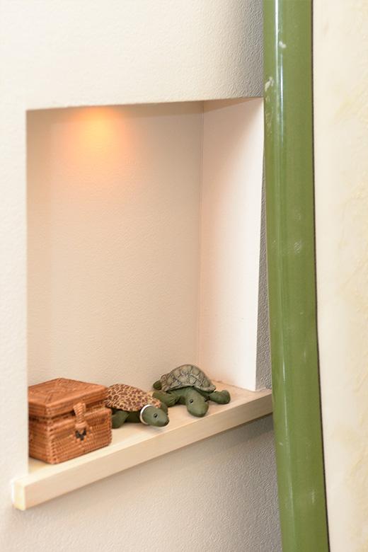 玄関に設えた小物スペース