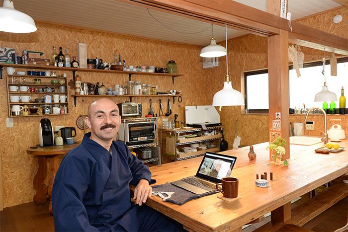 収納上手なメキシコ人建築家が暮らす、日本の家