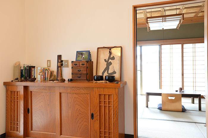 玄関の靴箱の棚