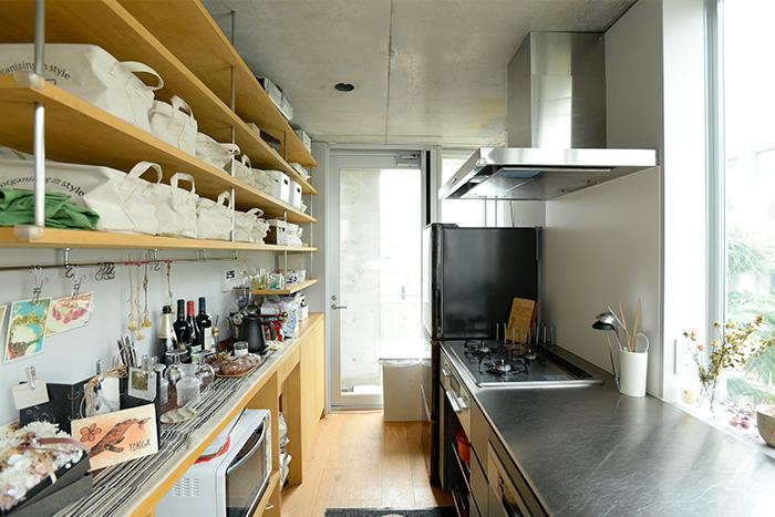 オープン収納キッチン