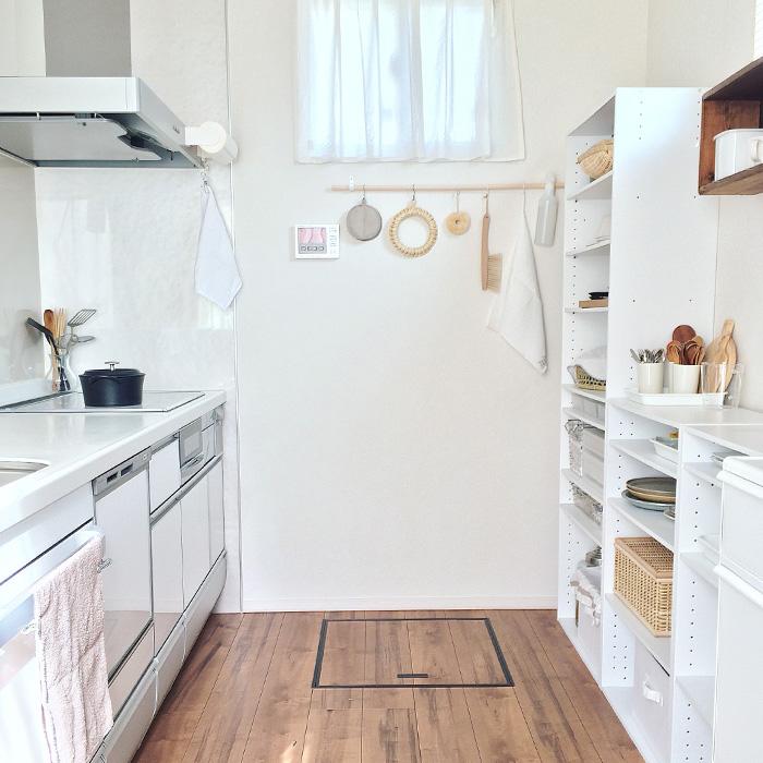 毎日使う食器棚を楽しく使いやすく《botaさん》