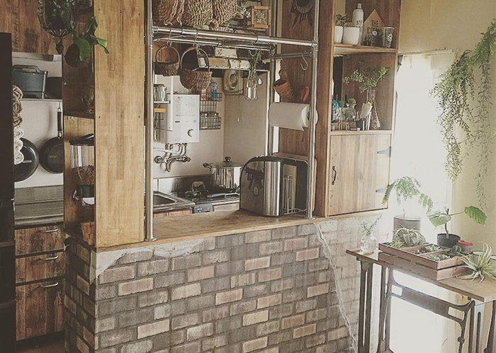 DIYキッチンカウンターにびっくりの仕掛けが!《sayo.さん》