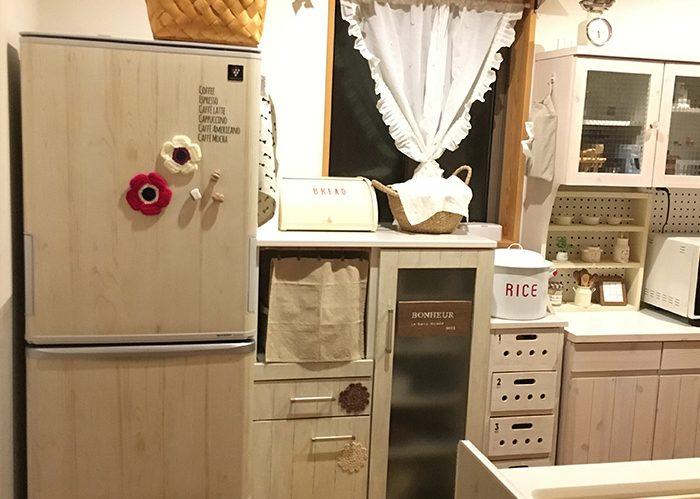 プチプラ容器を使った、冷蔵庫ざっくり収納《pinkkさん》