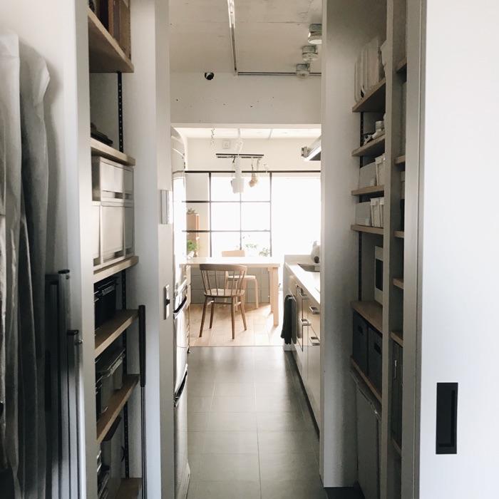 パントリー収納は、キッチンアイテム以外にも。《いがりこさん》