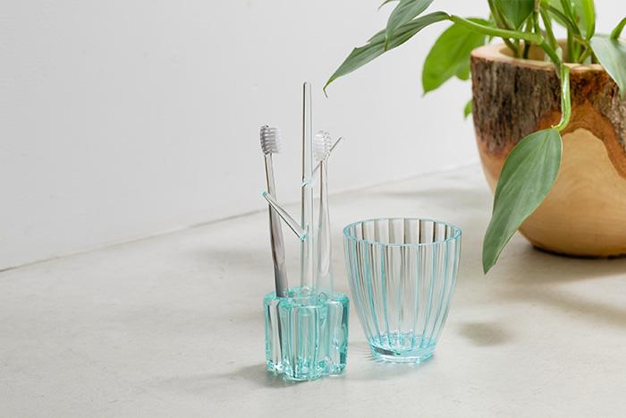 梅雨時期の衛生対策ばっちり! 「歯ブラシスタンド」