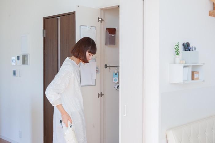 おさよさん家のリビングクローゼット収納の、使用頻度で空間を使い分けるコツ