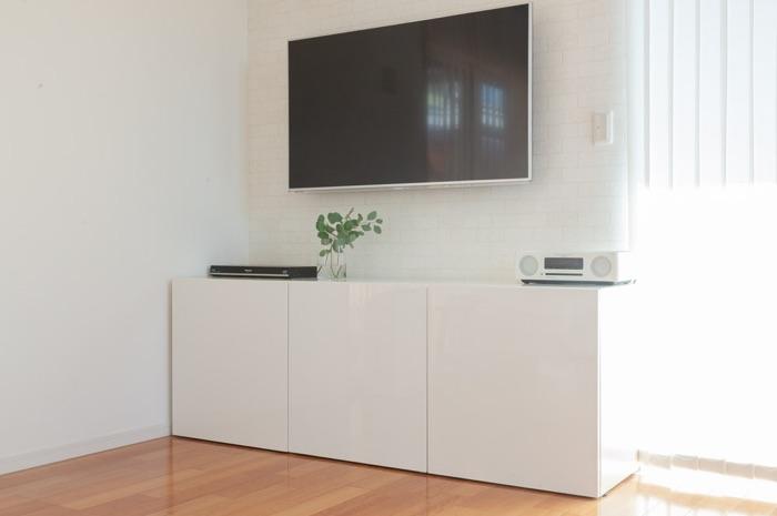 おさよさん家のテレビボードは、DVDからカメラ、パソコンまで家電も一括収納!