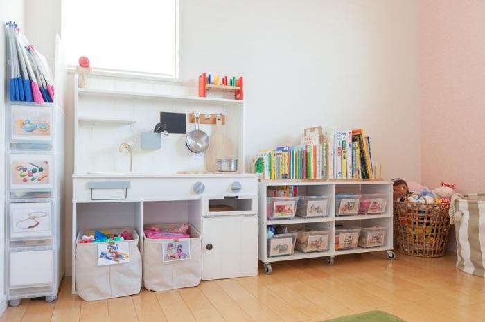 おもちゃやプリント、工作など悩みがちな子どもの収納を解決!おさよさん家の収納アイデア