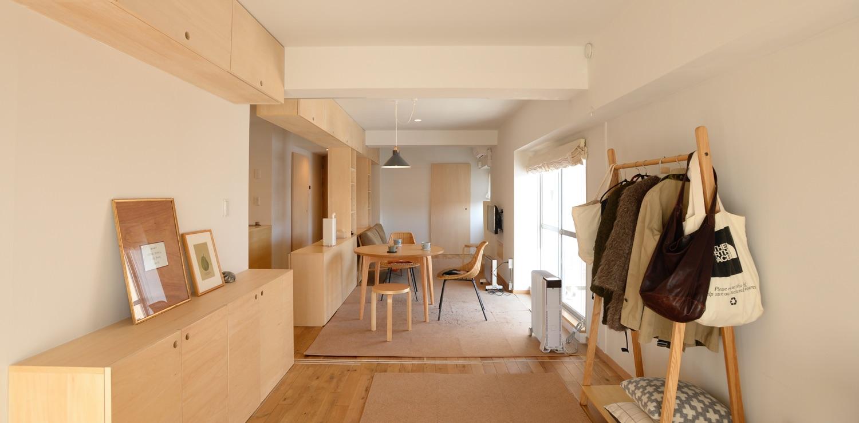 造作収納で空間をフル活用! 統一感と機能性を重視したコンパクトなリノベマンション