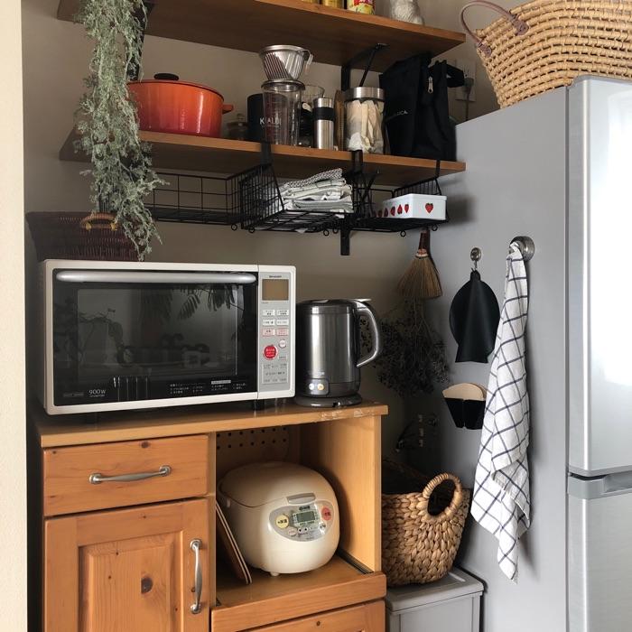 コンパクトなキッチンをすっきり!どんなスペースもムダにしないアイデア収納術
