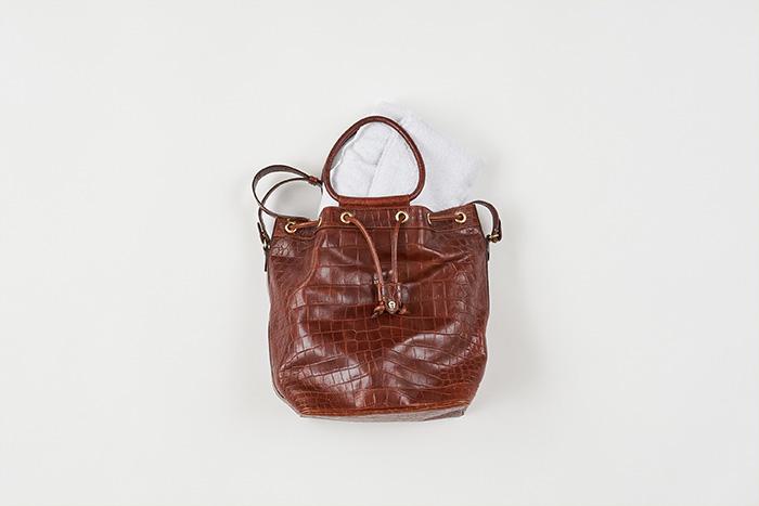 型崩れを防ぐ!バッグ、鞄のしまい方〜収納アイデア