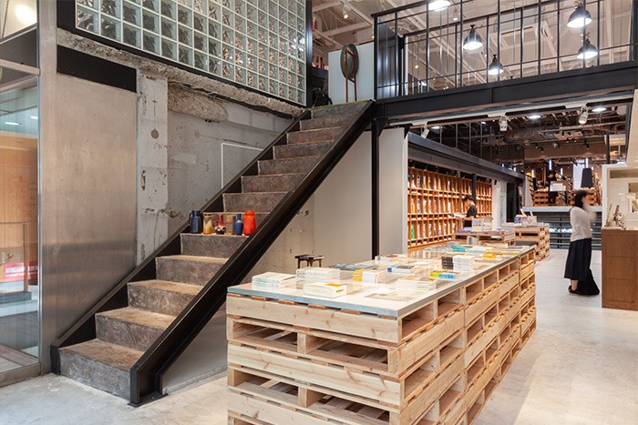 本と出会うための本屋が提案。集めた「好き」の見せ方を考える3冊