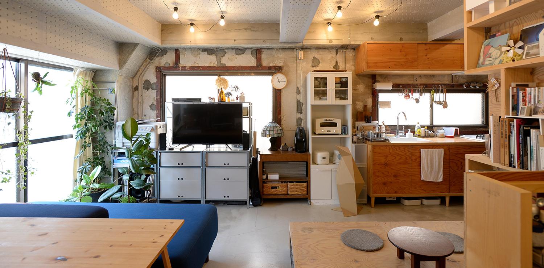 賃貸2DKマンションをワンルームにフルリノベ。オリジナルBOXでつくる、フレキシブルな収納スタイル