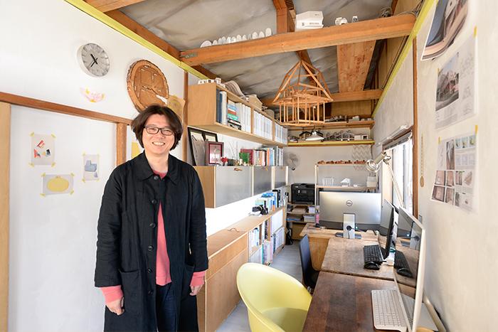 鎌倉の商店街にたたずむ、オリジナル収納アイテム満載の建築設計事務所