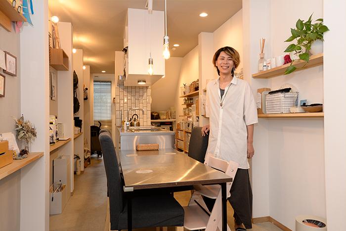 狭小住宅の収納計画は「オープン収納で空間増」が有効。京町家跡地の狭小住宅より収納テクをご紹介
