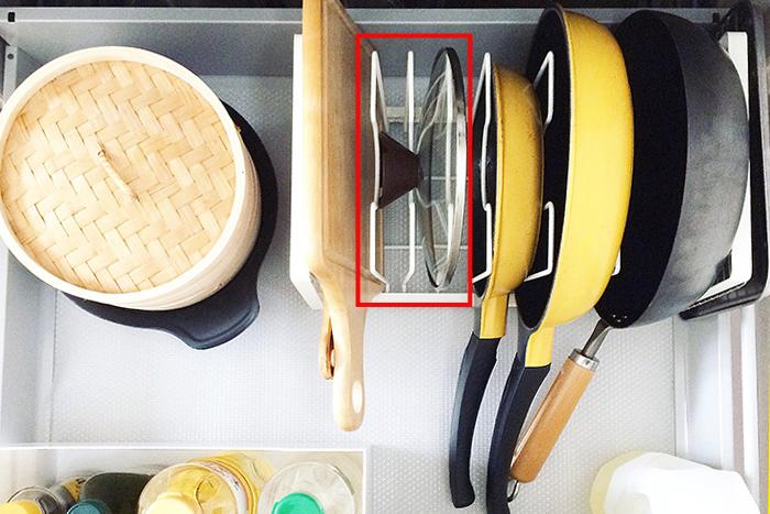 鍋ふたはファイルボックスを活用|おウチにあった収納方法が見つかる、3つの収納実例