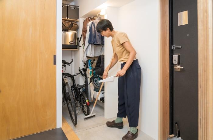 家中と外をスムーズにつなぐ、本多さおりさん家の玄関土間収納