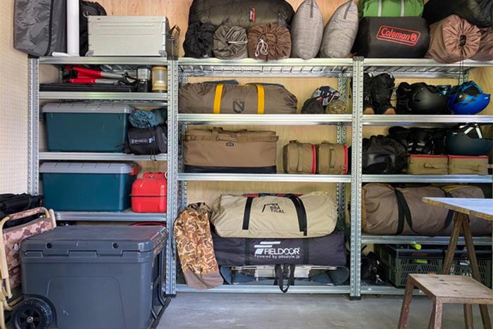 キャンプ道具の収納術|かさばりがちなキャンプ道具の収納アイデア実例